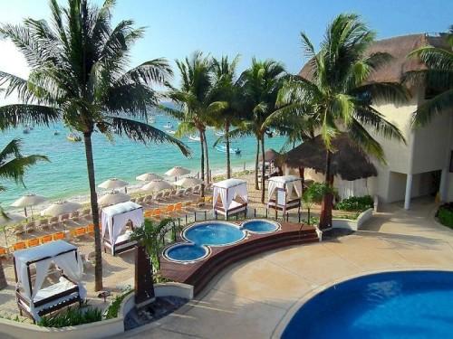 The Reef Coco Beach Beachfront Jacuzzis